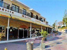 Image No.2-Commercial de 2 chambres à vendre à Kato Paphos