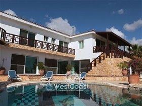 Image No.0-Villa de 4 chambres à vendre à Coral Bay