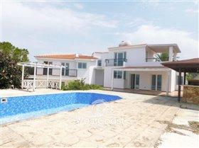 Image No.0-Villa de 7 chambres à vendre à Paphos