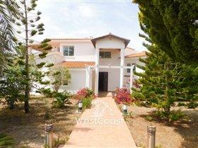 Image No.1-Villa de 7 chambres à vendre à Paphos
