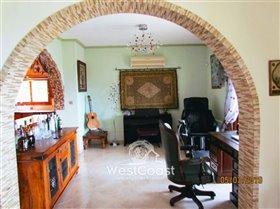 Image No.6-Villa de 4 chambres à vendre à Tsada