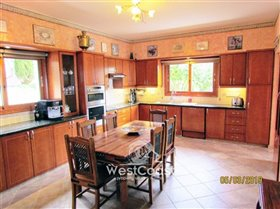 Image No.7-Villa de 4 chambres à vendre à Tsada