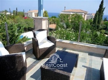 99907-detached-villa-for-sale-in-latchifull