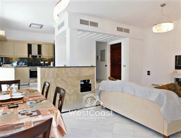 99914-detached-villa-for-sale-in-latchifull