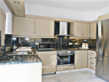 99915-detached-villa-for-sale-in-latchifull