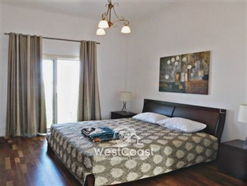 99919-detached-villa-for-sale-in-latchifull