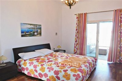 99920-detached-villa-for-sale-in-latchifull