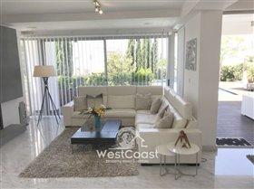 Image No.7-Villa de 4 chambres à vendre à Lachi