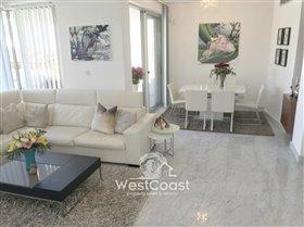 Image No.8-Villa de 4 chambres à vendre à Lachi