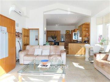 108549-detached-villa-for-sale-in-akoursosful
