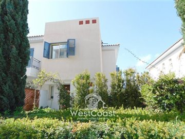112986-town-house-for-sale-in-universalfull