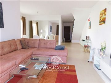 112964-town-house-for-sale-in-universalfull