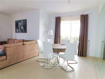 112966-town-house-for-sale-in-universalfull