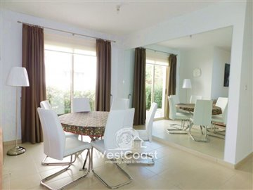 112967-town-house-for-sale-in-universalfull