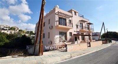 113279-building-for-sale-in-mesa-choriofull