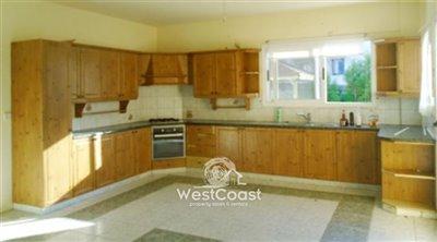 127384-detached-villa-for-sale-in-embafull