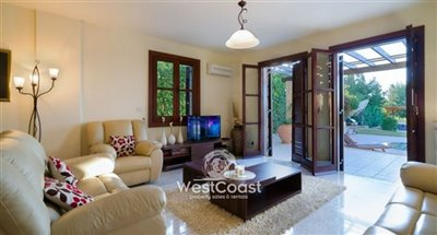 134935-detached-villa-for-sale-in-acheleiaful