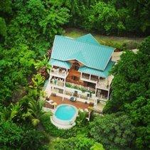 Image No.2-Villa de 4 chambres à vendre à Marigot Bay
