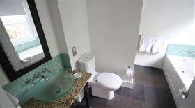 Image No.2-Appartement de 2 chambres à vendre à Marigot Bay