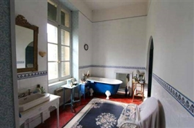 Image No.9-8 Bed Chateaux for sale