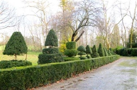 Image No.1-8 Bed Chateaux for sale