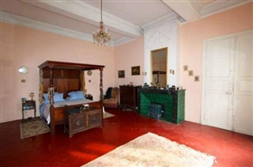 Image No.8-8 Bed Chateaux for sale