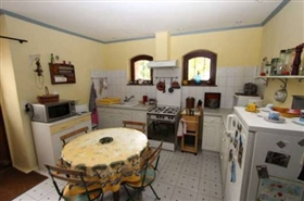 Image No.6-13 Bed House for sale