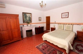 Image No.7-13 Bed House for sale