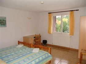 Image No.8-30 Bed House for sale