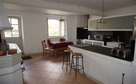 Image No.8-11 Bed House for sale