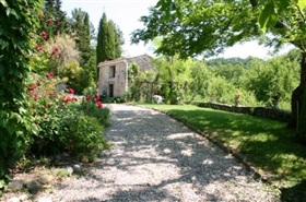 Image No.3-7 Bed Farmhouse for sale