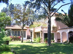 1. 8 Bed House for sale