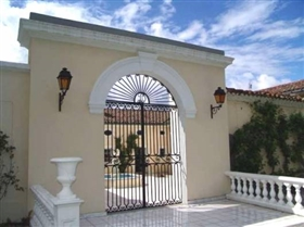 Image No.3-12 Bed House for sale