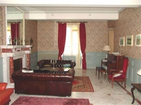 Image No.6-12 Bed House for sale