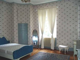 Image No.8-12 Bed House for sale