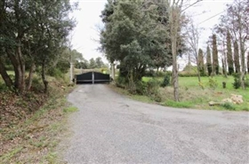 Image No.1-11 Bed Farmhouse for sale