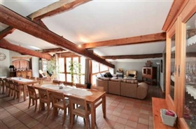 Image No.7-11 Bed Farmhouse for sale