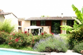 Image No.0-8 Bed House for sale