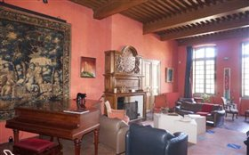 Image No.5-7 Bed Chateaux for sale