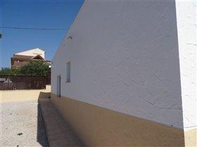 Image No.11-Commercial de 10 chambres à vendre à Fortuna