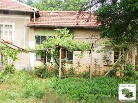 Image No.1-Maison de 3 chambres à vendre à Pavlikeni