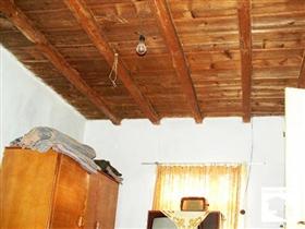 Image No.2-Maison de 3 chambres à vendre à Pavlikeni