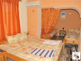 Image No.7-8 Bed House for sale