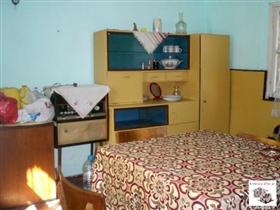 Image No.3-Maison de 3 chambres à vendre à Veliko Tarnovo