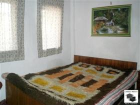 Image No.5-Maison de 3 chambres à vendre à Veliko Tarnovo
