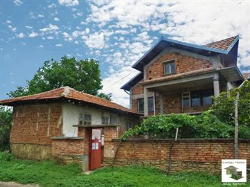 solid three-storey house, village of Stambolovo, easy access