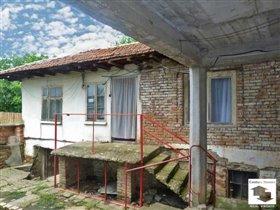 Image No.1-Maison de 5 chambres à vendre à Pavlikeni