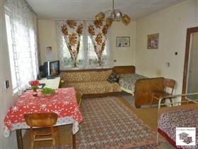 Image No.4-Maison de 5 chambres à vendre à Pavlikeni