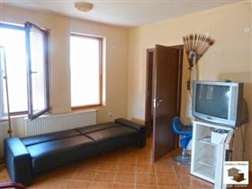 Image No.2-Maison de 5 chambres à vendre à Tryavna