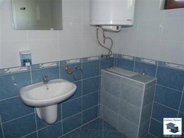 first floor, bathroom/toilet